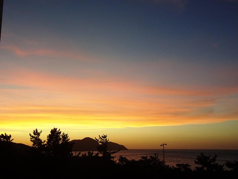 玄界灘の夕焼け(鐘崎港から)