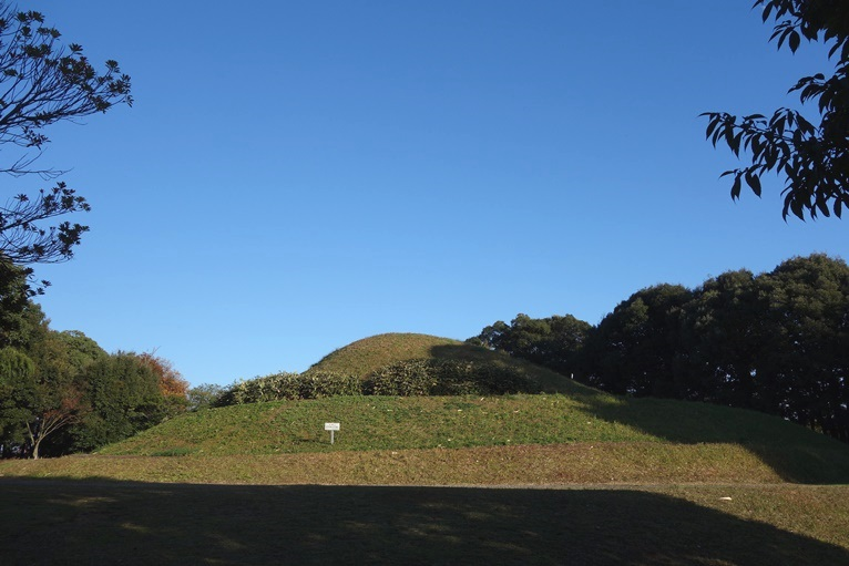 五郎山古墳の全景
