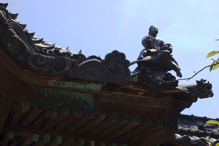 早吸日女神社の屋根瓦に浦島太郎