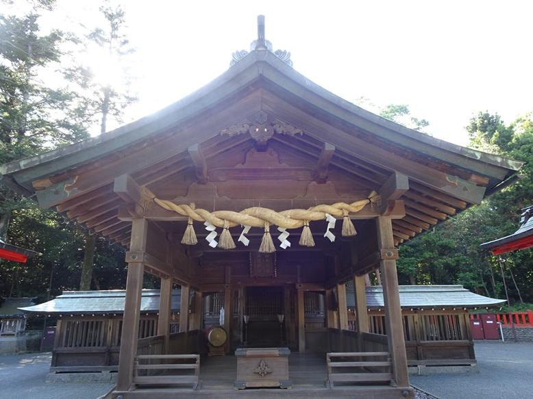 中津宮の拝殿