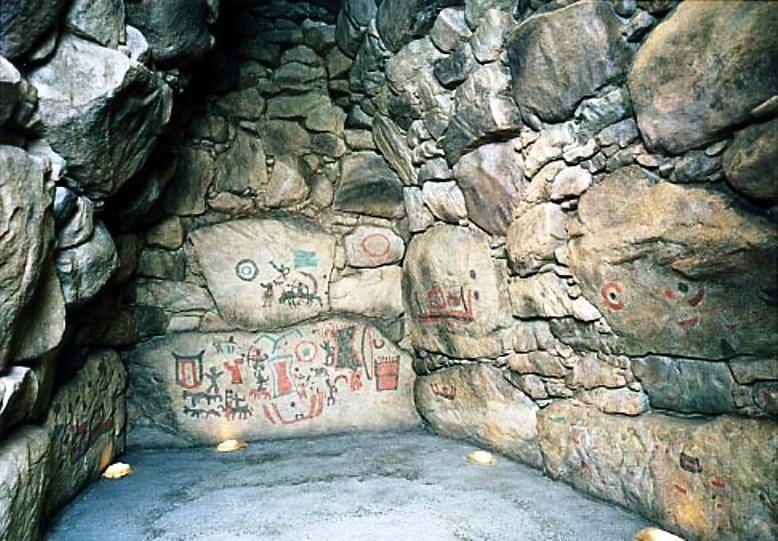 五郎山古墳の石室内写真