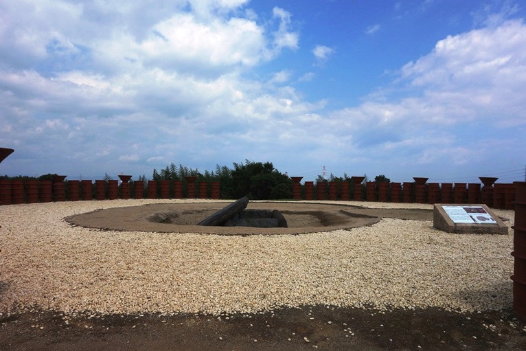 亀塚古墳前方部の竪穴石室
