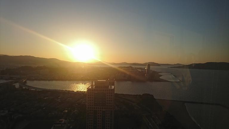 糸島の可也山に沈む夕陽
