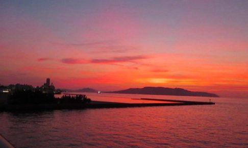 能古島に沈む夕陽(ももち浜から)