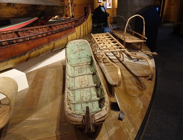 各地のソリや船、舟
