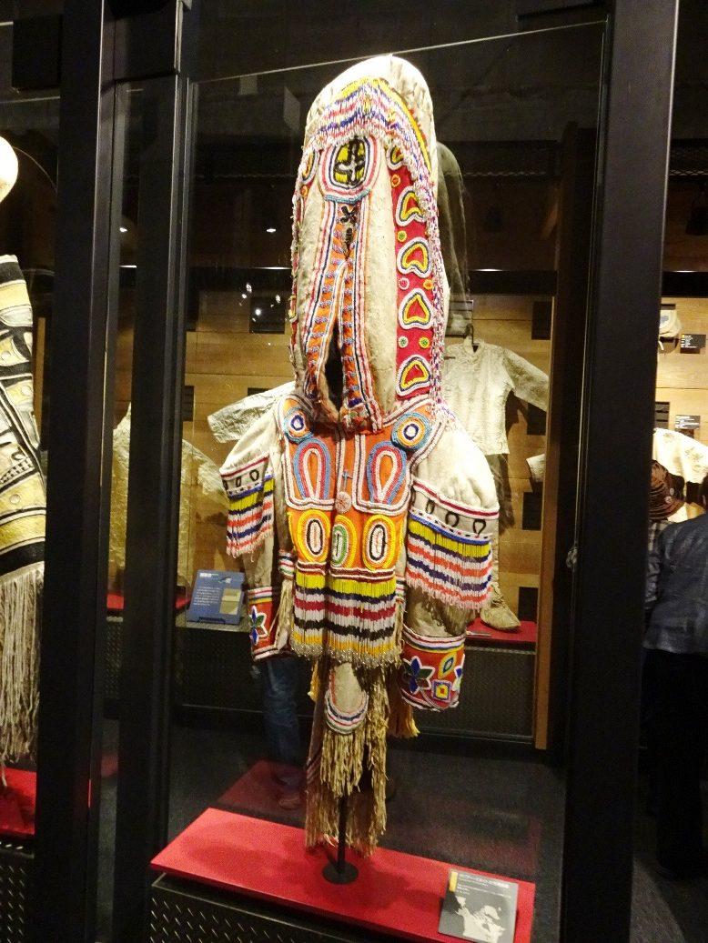 カナダのカリブー・イヌイト女性用衣装