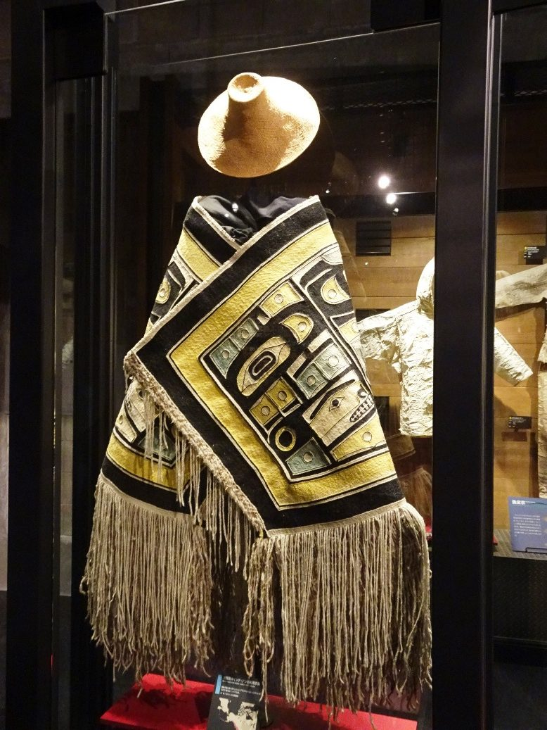 北アメリカ北西海岸インディアンの儀礼用衣装