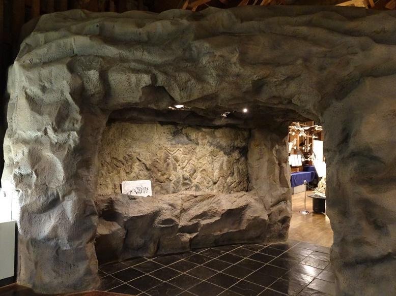手宮洞窟のレプリカ展示